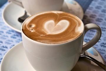 Verkupplungsversuche am Freiwild mit Kaffee und Kuchen